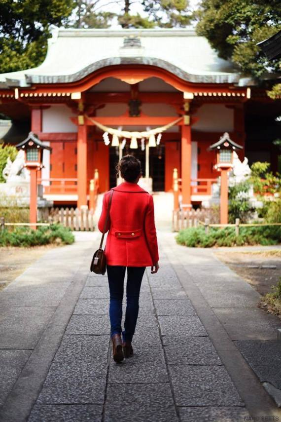 neighborhood shinto shrine in jiyugaoka tokyo