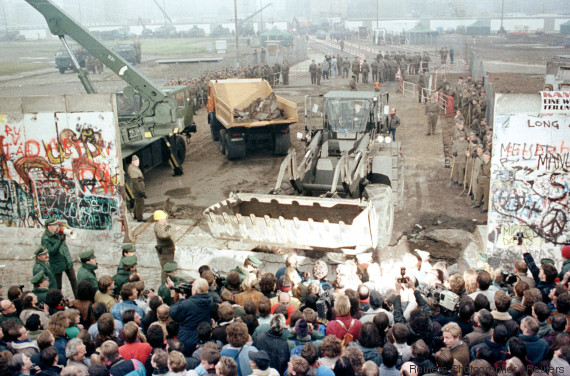 berlin wall comes down