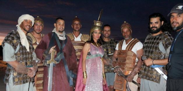 Des acteurs et cascadeurs lors d'une visite du studio Atlas à Ouarzazate