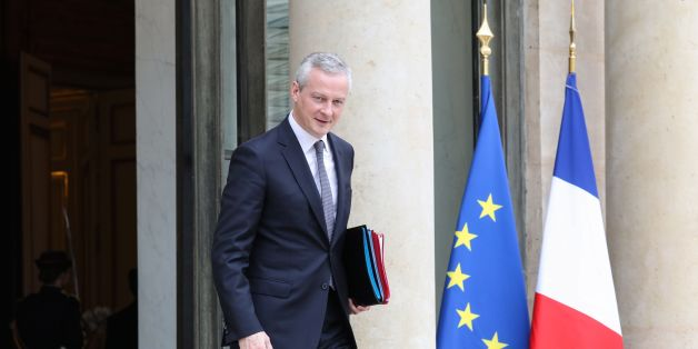French Economy Minister Bruno Le Maire leaves the Elysee Presidential Palace after the weekly cabinet meeting November 2, 2017 in Paris.  / AFP PHOTO / ludovic MARIN        (Photo credit should read LUDOVIC MARIN/AFP/Getty Images)