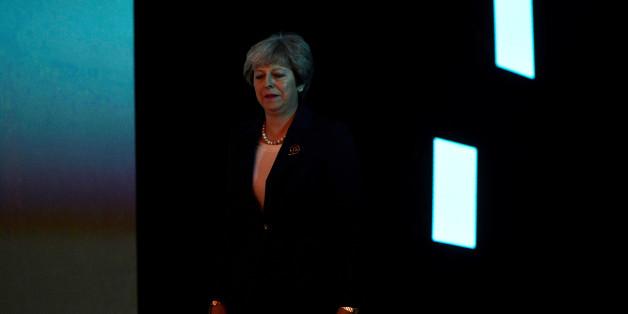 Britische Chaos-Wochen: Die Macht von Premierministerin May bröckelt - die EU erhöht weiter den Druck