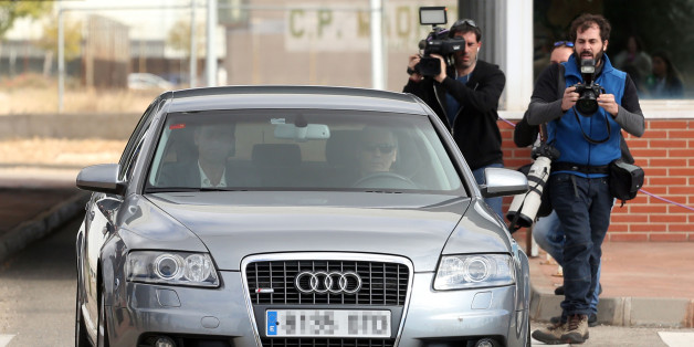 The car transporting former speaker of Catalonia's dissolved regional parliament Carme Forcadell (back,R) leaves the Alcala Meco jail in Madrid on November 10, 2017.Carme Forcadell was released after supporters posted her 150,000-euro ($175,000) bail, ending her brief detention over the region's controversial independence drive. / AFP PHOTO / OSCAR DEL POZO        (Photo credit should read OSCAR DEL POZO/AFP/Getty Images)