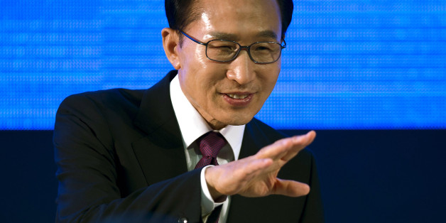 South Korean President Lee Myung-bak delivers his speech at the Business 20 forum in the framework of the Leaders G20 Summit on June 18, 2012. AFP PHOTO/ Yuri CORTEZ        (Photo credit should read YURI CORTEZ/AFP/GettyImages)