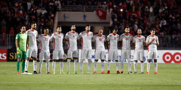 Soccer Football - 2018 World Cup Qualifications - Africa - Tunisia v Libya - Rades Olympic Stadium, Rades, Tunisia - November 11, 2017 - Tunisian players line up before the match. REUTERS/Zoubeir Souissi