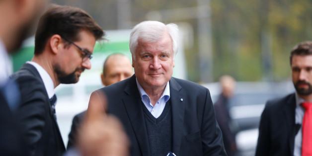 Machtkampf in der CSU: Ilse Aigner bringt Urwahl gegen Horst Seehofer ins Gespräch.