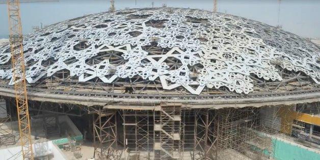 Timelapse: La construction du Louvre Abu Dhabi au milieu du sable (VIDÉO)
