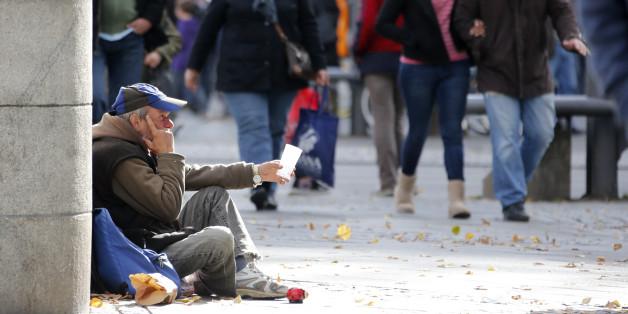 Jobcenter bezeichnet Betteln als Beruf - und kürzt Obdachlosem in Dortmund Hartz IV. (Symbolbild)
