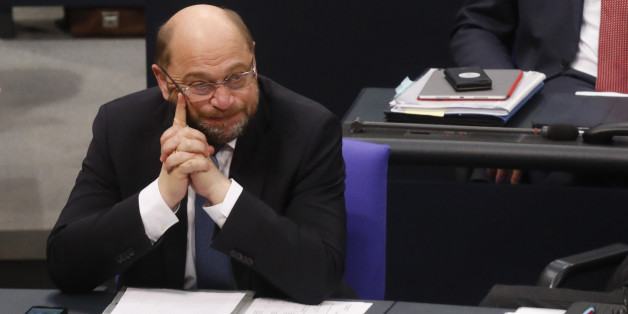 BERLIN, GERMANY - NOVEMBER 21: Martin Schulz, leader of the Social Democrats Party or (SPD), pauses during the first session of the Bundestag, the German parliament, since the collapse of government coalition talks on November 21, 2017 in Berlin, Germany. Preliminary coalition talks, after over three weeks of arduous meetings, fell apart Sunday night, leaving Merkel confronted with two uncomfortable possibilities: attempt to run a minority government together with the German Greens Party or submit to new elections. Both would be a first at the federal level in post-World War II German history. (Photo by Michele Tantussi/Getty Images)