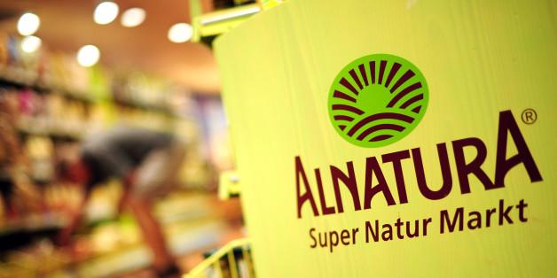 Wer Chips von Alnatura daheim hat, sollte sich die Packung noch einmal genauer ansehen. Der Bio-Lebensmittelhändler hat sechs Sorten der Marke Trafo aus dem Handel zurückgerufen.