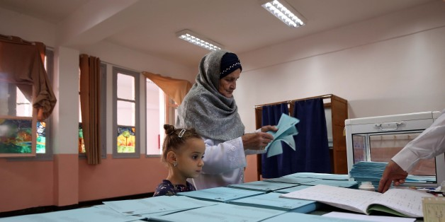 Algerian vote in a polling station during local elections in Algiers, Algeria, on November 23, 2017. Nearly 23 million Algerian voters are called to the polls to choose their representatives. (Photo by Billal Bensalem/NurPhoto via Getty Images)