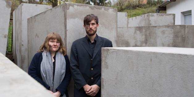 Jenni Moli und Morius Enden errichteten ein Holocaust-Denkmal neben Björn Höckes Haus – jetzt müssen sie um ihr Leben fürchten