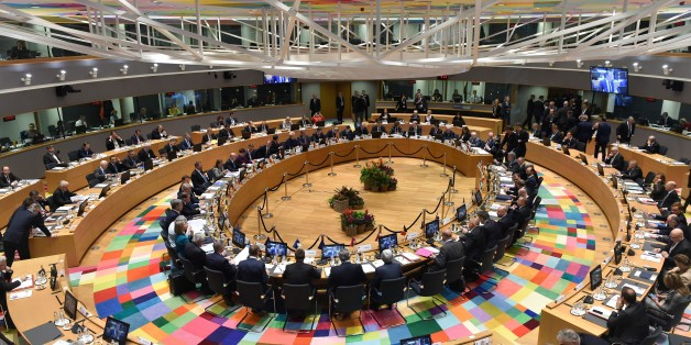 A general view shows political leaders sitting at the round table for an ?EU Eastern Partnership summit with six eastern partner countries at the European Council in Brussels on November 24, 2017. / AFP PHOTO / POOL / JOHN THYS        (Photo credit should read JOHN THYS/AFP/Getty Images)