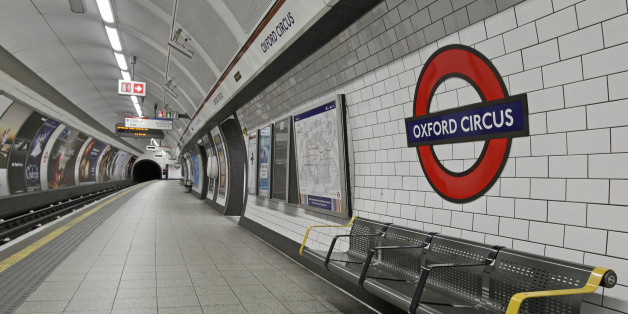 An empty Bakerloo line platform is seen at Oxford Circus station, in central London December 26, 2010. Strike action by train drivers caused disruption and closures to London's Tube network on Boxing Day.   REUTERS/Luke MacGregor (BRITAIN - Tags: BUSINESS EMPLOYMENT TRANSPORT)