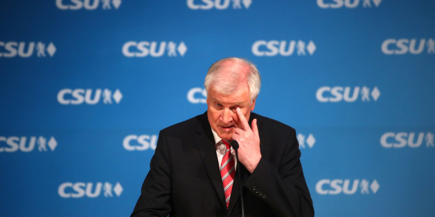 Bavarian Prime Minister and head of the Christian Social Union (CSU) Horst Seehofer gives a news conference at the CSU headquarters after a board meeting in Munich, Germany, November 23, 2017. REUTERS/Michael Dalder