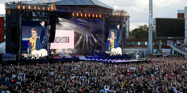 MANCHESTER, ENGLAND - JUNE 04:  Justin Bieber performs during the One Love Manchester concert at Old Trafford Cricket Ground Cricket Club on June 4, 2017 in Manchester, England.  (Photo by Matthew McNulty/Getty Images)