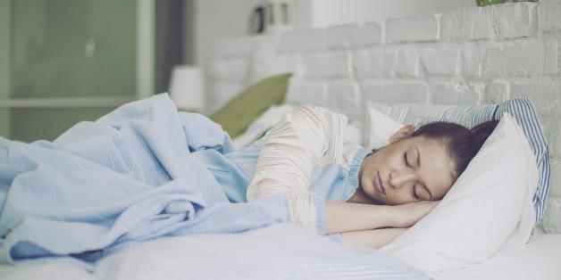 Bestimmte Pflanzen im Zimmer können dabei helfen, den Schlaf zu verbessern.