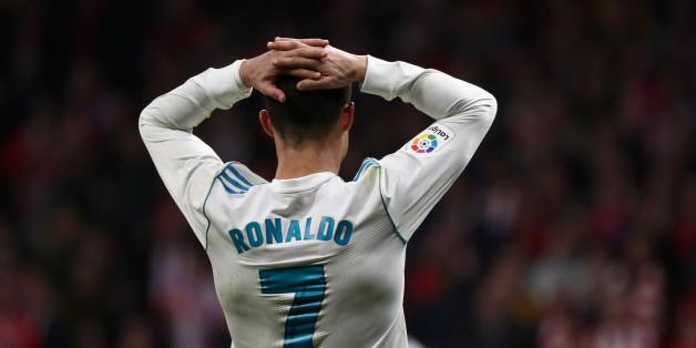 Soccer Football - La Liga Santander - Atletico Madrid v Real Madrid - Wanda Metropolitano, Madrid, Spain - November 18, 2017   Real Madrid's Cristiano Ronaldo reacts         REUTERS/Juan Medina