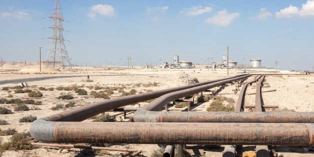 Petrochemical industry facilities in the desert of Bahrain, Middle East