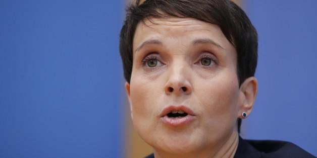 """FFrauke Petry bezeichnet sexuelle Belästigung als """"lieb gewordene Tradition"""""""