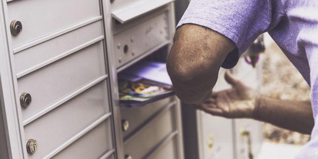 Kübelweise Hass: Was Migrantenverbände im Briefkasten finden (Symbolbild)