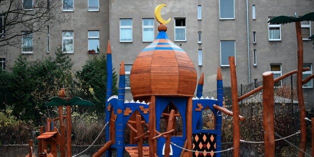 Der Ali-Baba-Spielplatz in Neukölln musste unter Polizeischutz eröffnet werden - was für eine Farce!