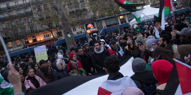 Demonstrators protesting against Trump's decision to move American embassy to Jerusalem in Paris on December 9th 2017 (Photo by David Cordova/NurPhoto via Getty Images)