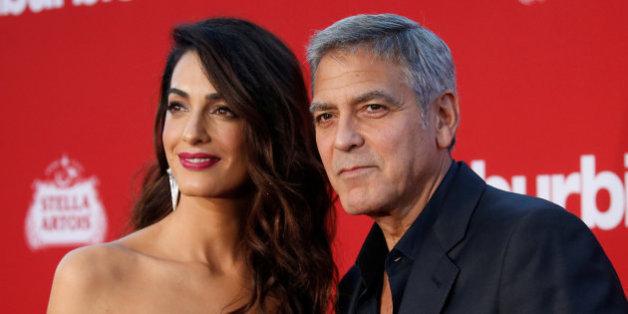 Si seulement tous les parents étaient comme les Clooney quand ils voyagent avec leurs enfants...