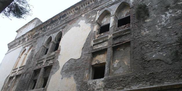 En ruines, une partie du théâtre national de Tétouan s'effondre