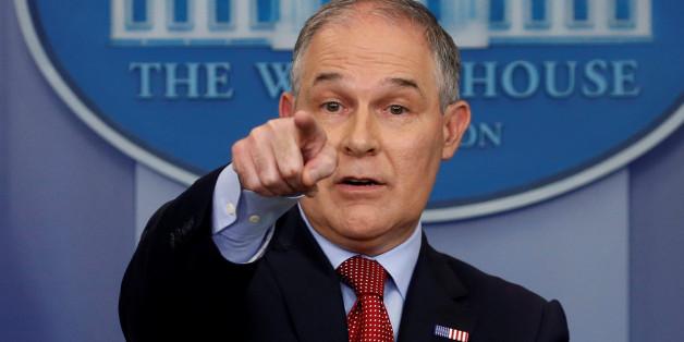 L'administrateur de l'Agence américaine de protection de l'environnement (EPA), Scott Pruitt, lors d'une conférence de presse à la Maison Blanche à Washington, le 2 juin 2017.