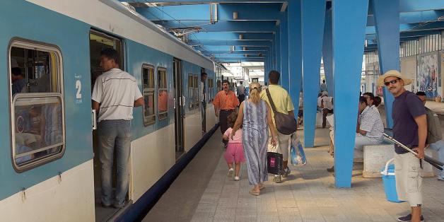 Tunis, TUNISIA:  POUR ILLUSTRER LE PAPIER : 'LE +TGM+ UN TRAIN PRECOLONIAL SYNONYME DE LOISIRS EN BANLIEUE DE TUNIS - Photo prise le 06 septembre 2004 de la station Tunis-Marine du train TGM, premier moyen de transport collectif a voir le jour dans une cite africaine. Entre Tunis, La Goulette et La Marsa, circule toujours le fameux 'TGM', un train permettant aux Tunisois de fuir la canicule pour aller sur les plages de la banlieue nord, charge d'histoire pour avoir ete, il y a 132 ans, le premier moyen de transport collectif a voir le jour dans une cite africaine.AFP PHOTO FETHI BELAID  (Photo credit should read FETHI BELAID/AFP/Getty Images)