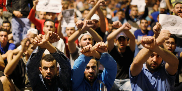 Moroccans take part in a demonstration against official abuses and corruption in the town of Al-Hoceima, Morocco early June 3, 2017. REUTERS/Youssef Boudlal