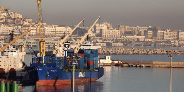 Vue générale du port d'Alger, le 6 décembre 2017