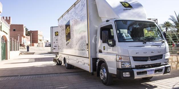 """Le camion-théâtre """"Spectacle pour tous"""" fait étape à Rabat"""