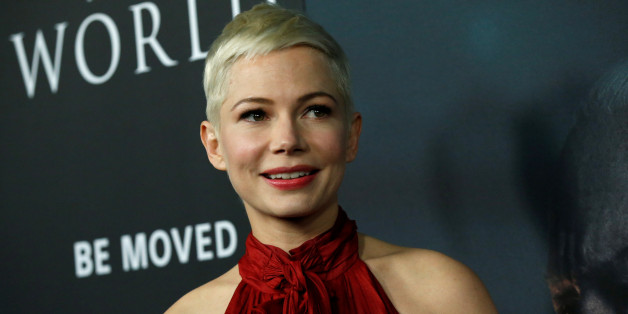 "Cast member Michelle Williams poses at the premiere for ""All the Money in the World"" in Beverly Hills, California, U.S., December 18, 2017. REUTERS/Mario Anzuoni"