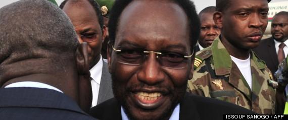 Mali: Dioncounda Traoré, le président intérimaire investi, menace les groupes armés du Nord -