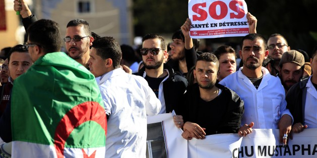 Resident doctors strike at mustapha bacha hospital in Algiers in Algeria on January 23, 2018, to request exemption from the national service and Improve training conditions. (Photo by Billal Bensalem/NurPhoto via Getty Images)