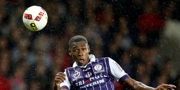 Football Soccer - AS Monaco v Toulouse - French Ligue 1 - Municipal Stadium, Toulouse, France - 14/10/2016. Toulouse's Issa Diop in action. REUTERS/Regis Duvignau