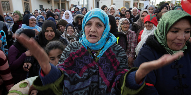 A women shouts slogans during a protest about the lack of jobs after two miners died while working in a clandestine coal mine, in Jerada, Morocco, January 20, 2018. Picture taken January 20, 2018. REUTERS/Youssef Boudlal
