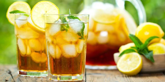 Thés fruités, eaux aromatisées... ces boissons acides qui détruisent vos dents à petit feu