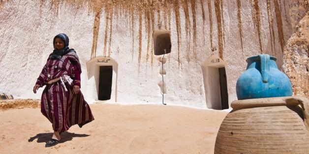 North Africa, Tunisia, Gabes province, cave-dwelling berbere village, Matmata, Ksar Ben Aïssa, the owner Jalila Ben Slimane