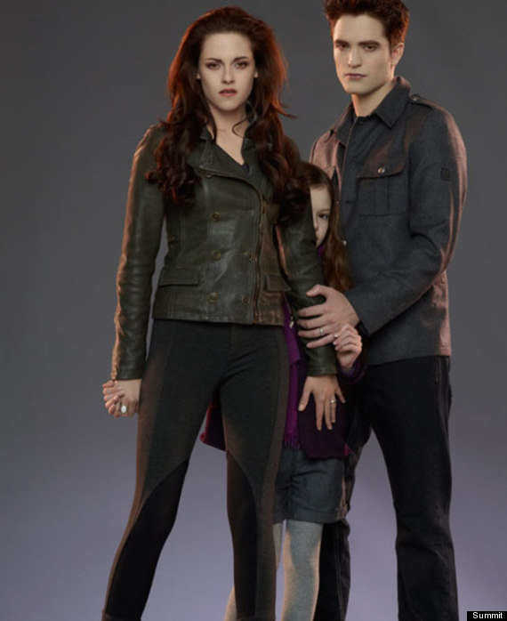 first look the twilight baby who does she look like
