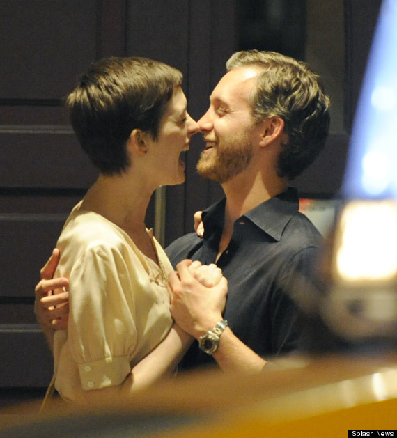 Anne Hathaway Pregnant? Actress Rumoured To Be Expecting