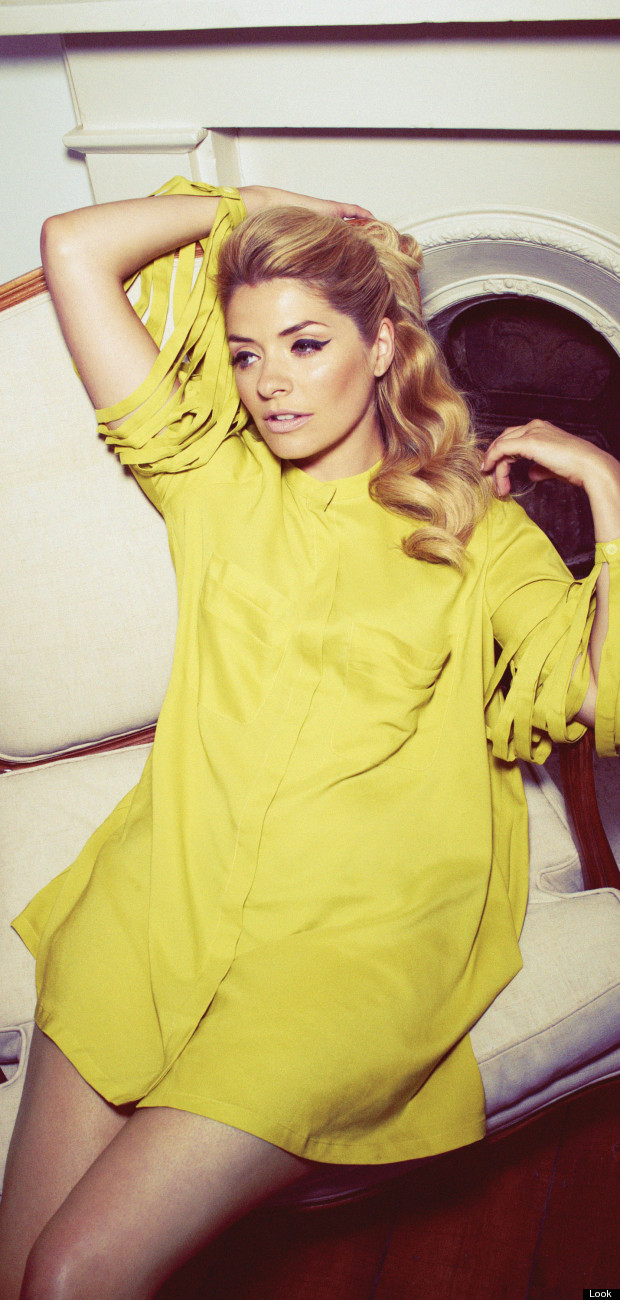 holly willoughby look magazine