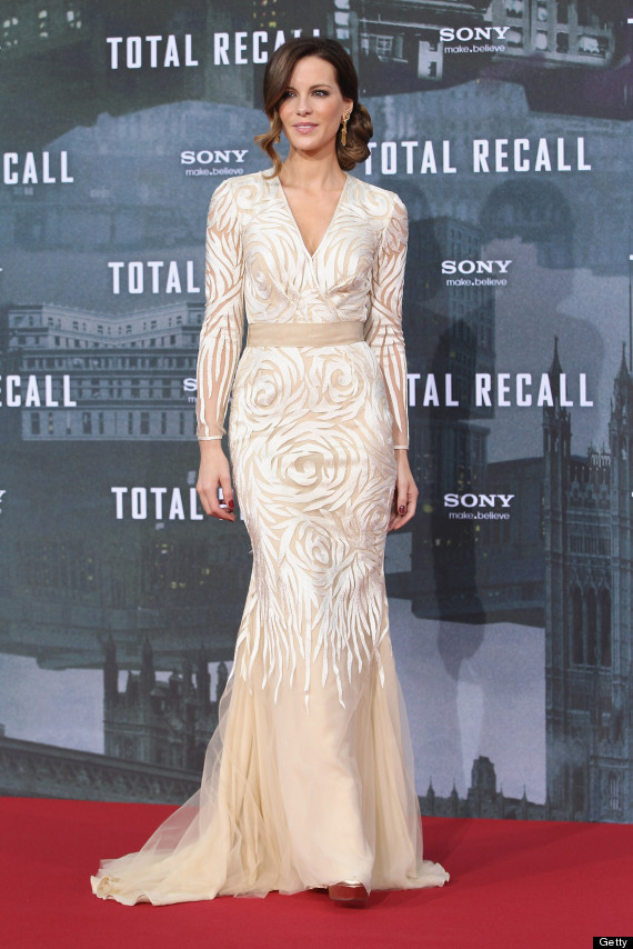 Kate Beckinsale\'s Bridal-Worthy Naeem Khan Gown