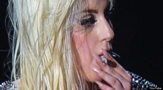 ladygaga fumando porros