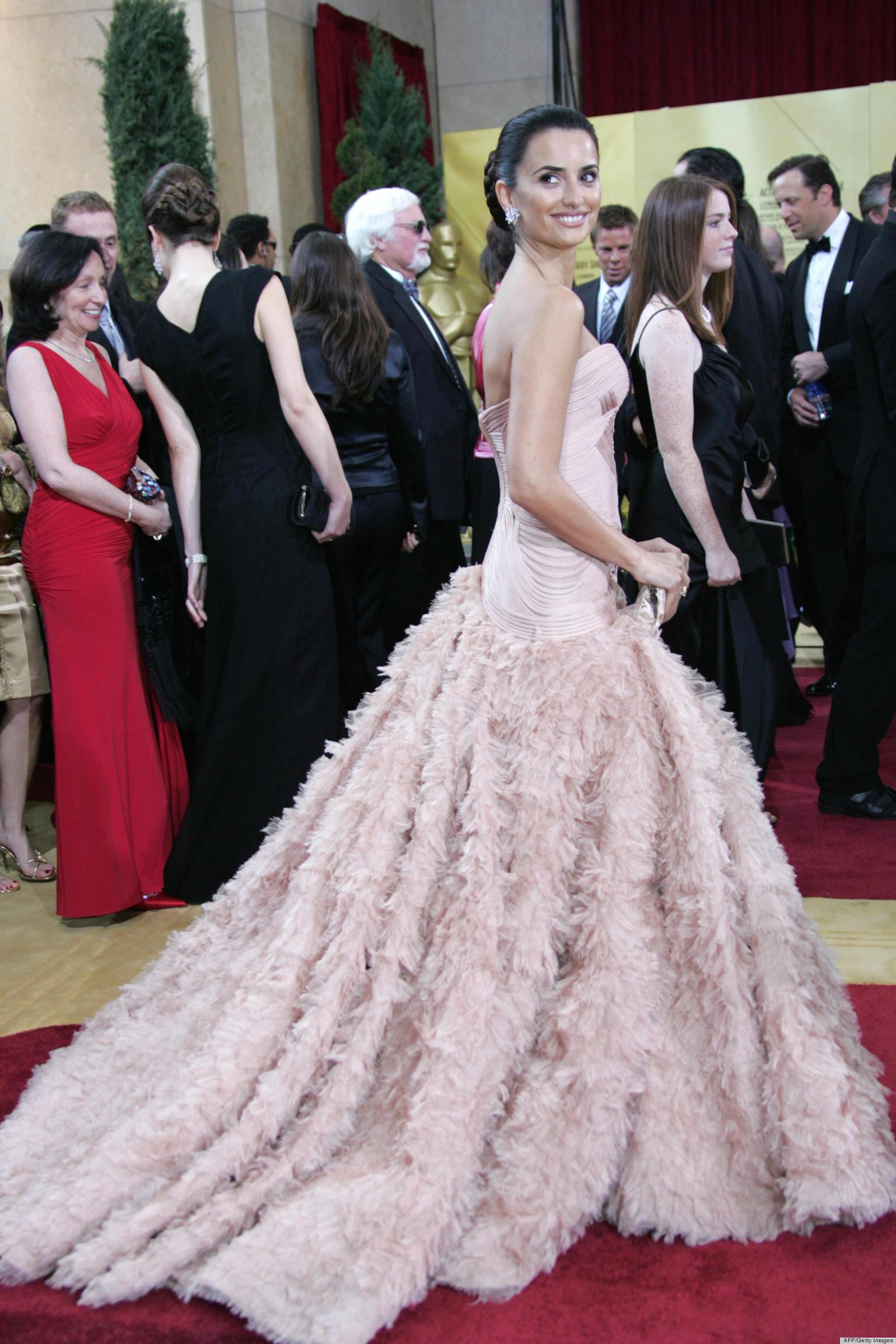 Fashion Trivia Quiz: Who Designed Penelope Cruz's Oscars ...