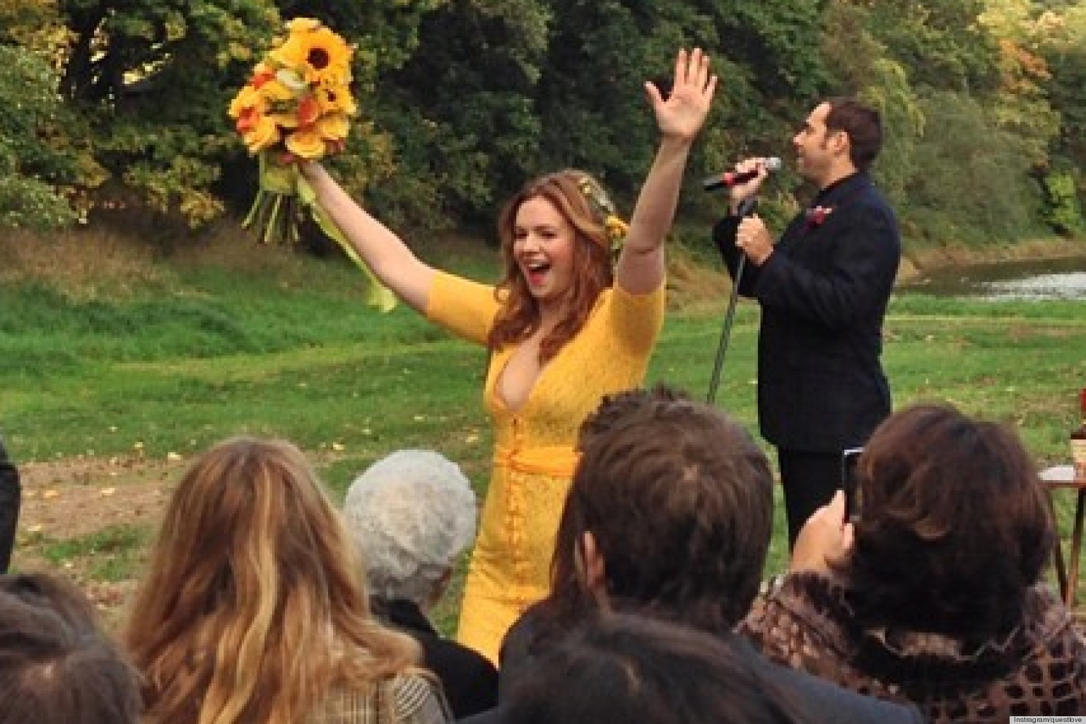 Amber Tamblyn Dress Is Yellow And Pink Green The New Wedding Trend Photos Huffpost