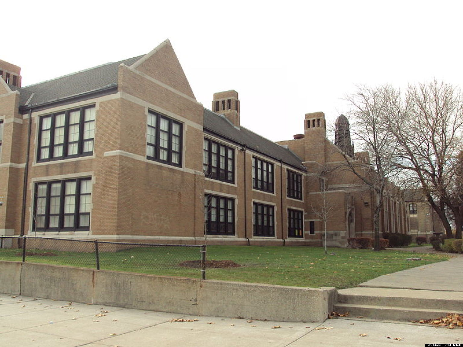 detroit public schools auction off contents of closed southwestern high huffpost