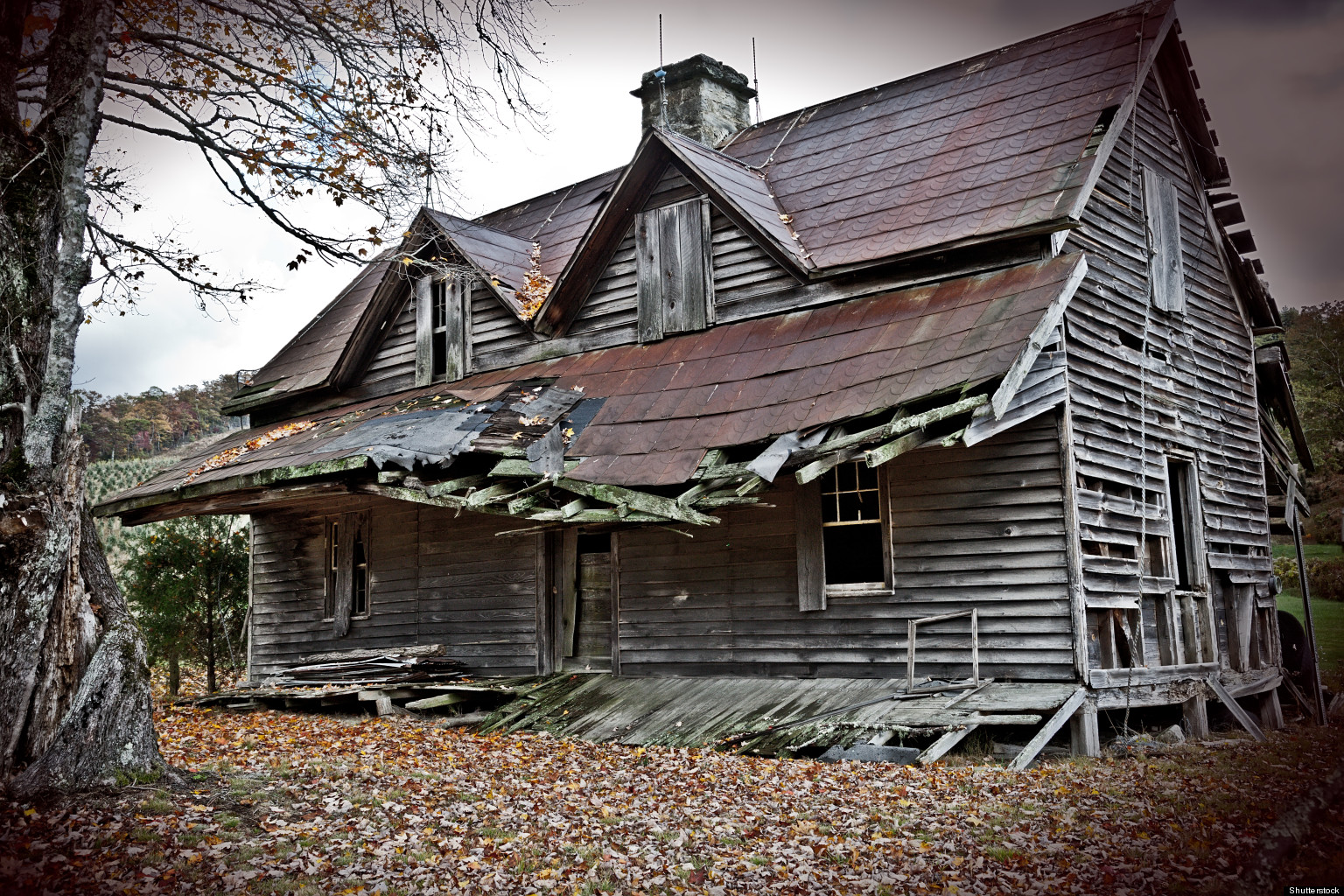Best towns to find haunted houses trulia huffpost for Classic houses images