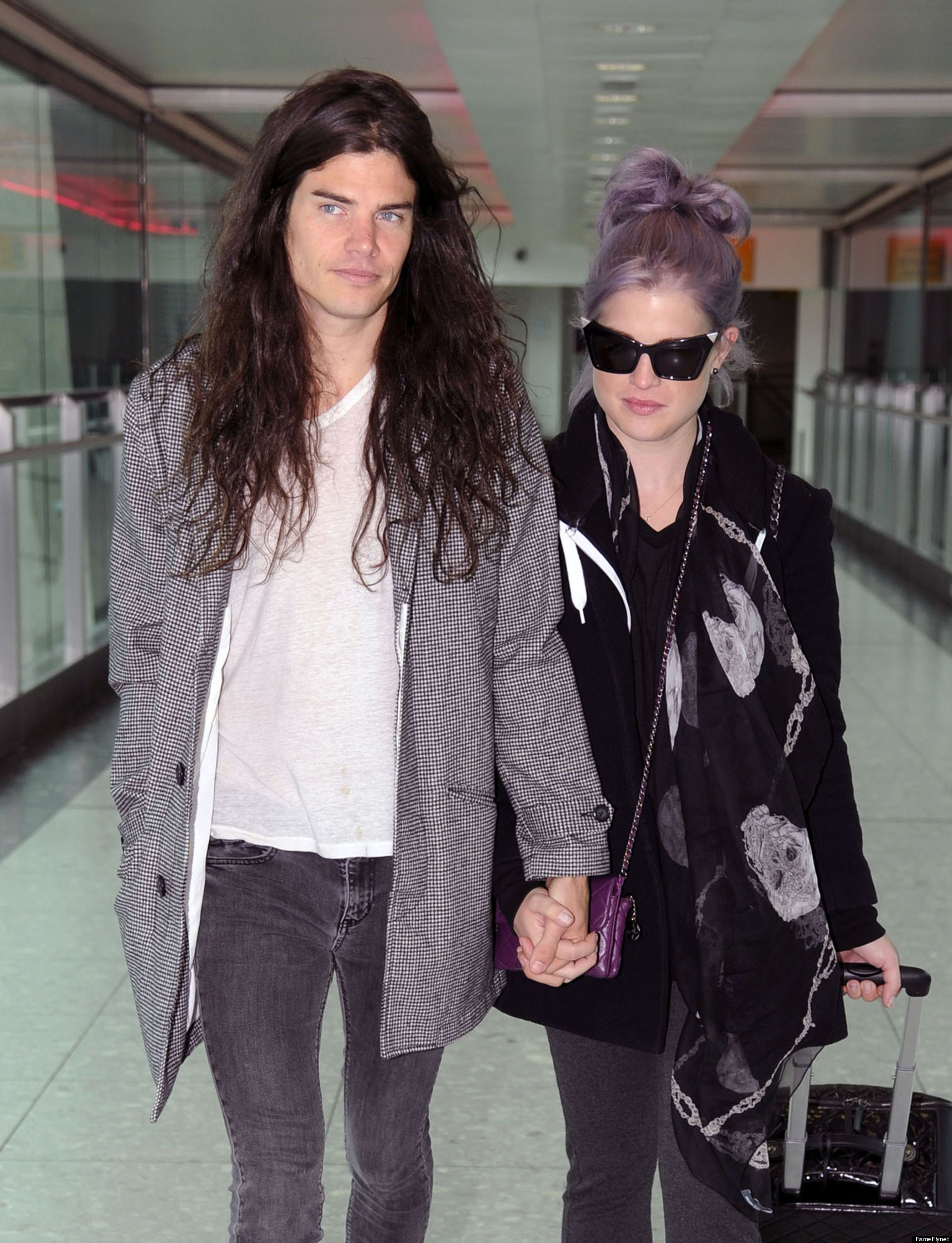 heathrow dating The star trek actor is dating the mummy actress  33, first sparked romance rumors last month when they were spotted together at london's heathrow airport.